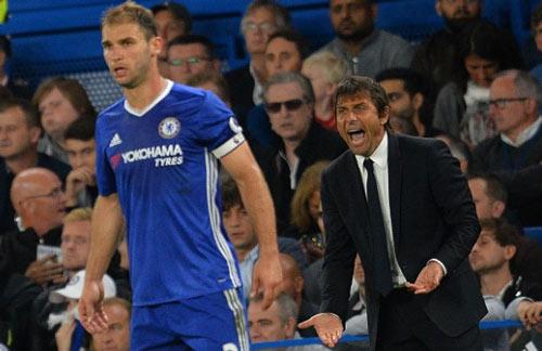 5 trận 6 bàn thua, còn đâu Chelsea phòng thủ trứ danh - 3