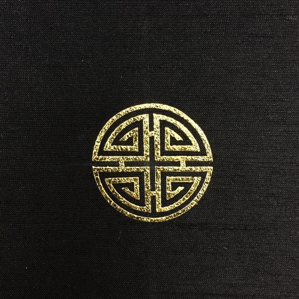 Sự thật đằng sau áo dài dát vàng 6000 USD của Chí Anh - 2