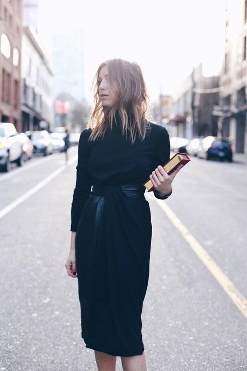 Đây là cách bạn mặc váy đen đi làm cả tuần nếu thích - 10