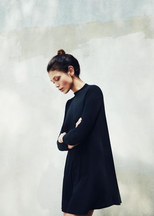 Đây là cách bạn mặc váy đen đi làm cả tuần nếu thích - 9