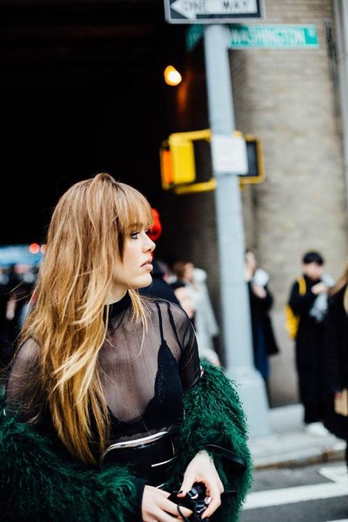 Đây là cách bạn mặc váy đen đi làm cả tuần nếu thích - 12