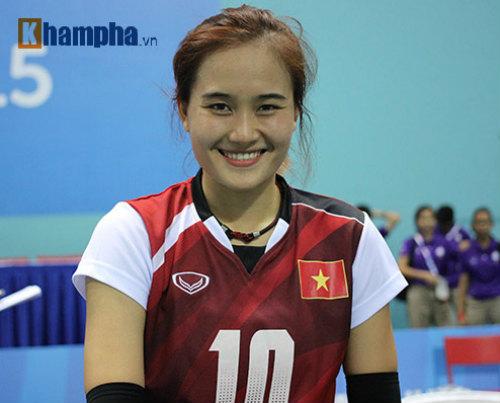 Bóng chuyền nữ: Linh Chi đua sắc bên 4 mỹ nhân - 1