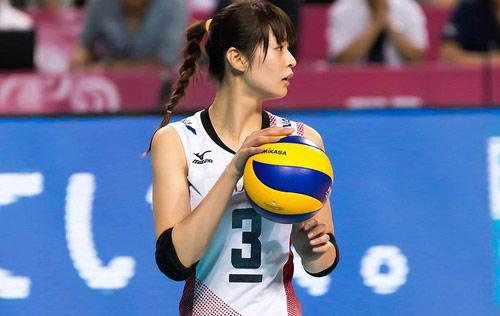 Bóng chuyền nữ: Linh Chi đua sắc bên 4 mỹ nhân - 5