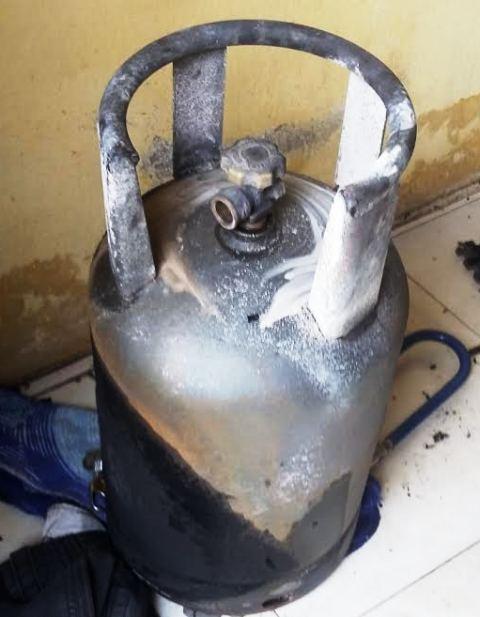 Bình gas phát hỏa, người đàn ông nấu ăn cháy như đuốc - 2