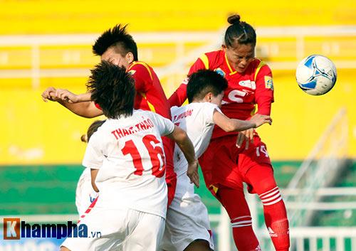 Đội nữ TP HCM I tưng bừng mở hội trên sân Thống Nhất - 2