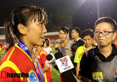 Đội nữ TP HCM I tưng bừng mở hội trên sân Thống Nhất - 7