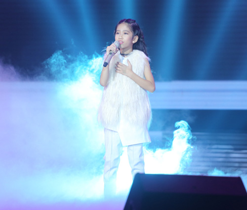 Đông Nhi khóc nấc vì học trò The Voice Kids bị chỉ trích - 8
