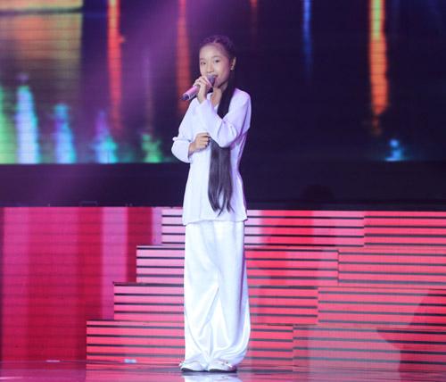 Đông Nhi khóc nấc vì học trò The Voice Kids bị chỉ trích - 9