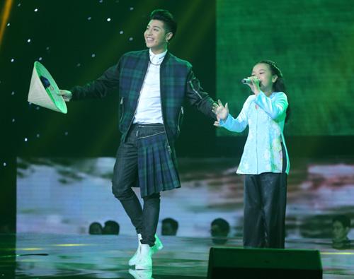 Đông Nhi khóc nấc vì học trò The Voice Kids bị chỉ trích - 11