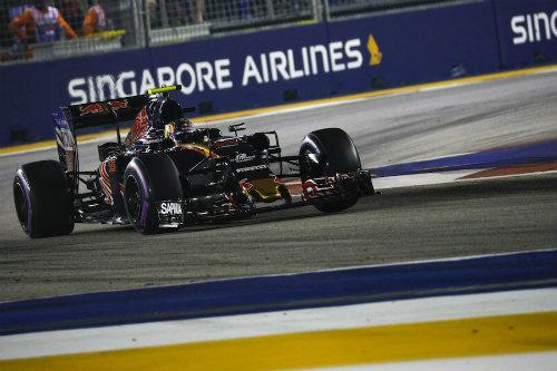 Phân hạng Singapore GP: Đỉnh cao Rosberg, vực sâu Vettel - 3