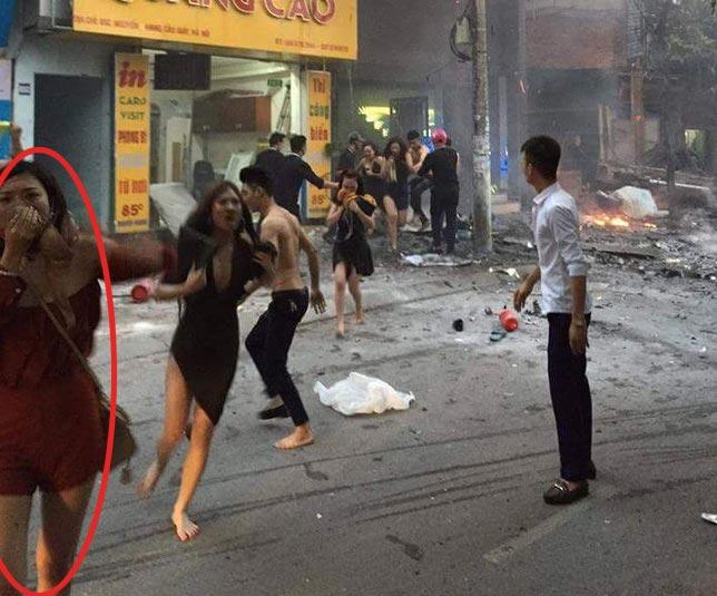 Cô gái bị trêu đùa vì lấy áo ngực che miệng ở đám cháy - 1