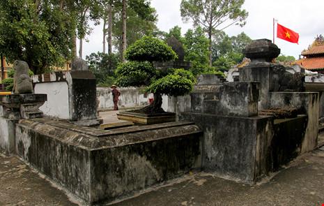 Lăng mộ cổ nằm trên khu đất 'long mạch' ở TP.HCM - 11