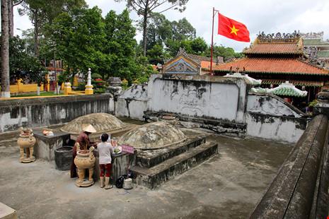 Lăng mộ cổ nằm trên khu đất 'long mạch' ở TP.HCM - 12