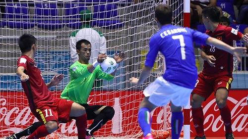 ĐT futsal VN chiến đấu 200% sức lực với đội Ý - 2