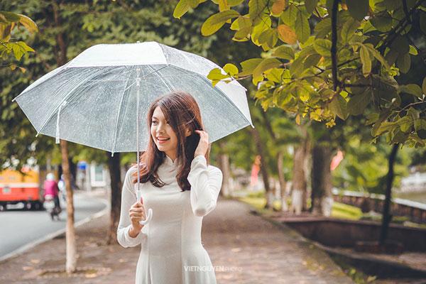 Hoa khôi SV Hà Nội khoe sắc bên hàng cây cổ thụ Thủ Lệ - 5