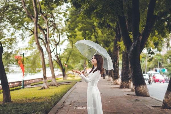 Hoa khôi SV Hà Nội khoe sắc bên hàng cây cổ thụ Thủ Lệ - 6