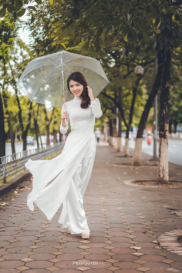 Hoa khôi SV Hà Nội khoe sắc bên hàng cây cổ thụ Thủ Lệ - 8