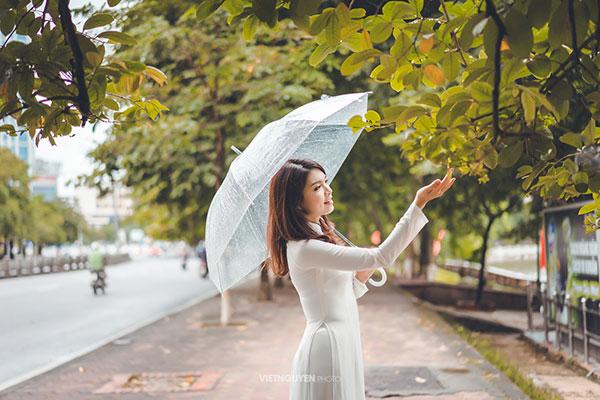 Hoa khôi SV Hà Nội khoe sắc bên hàng cây cổ thụ Thủ Lệ - 7