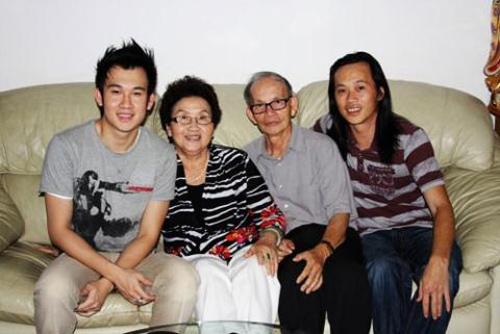 """""""Lộ"""" ảnh cực hiếm của gia đình Hoài Linh thời khó khăn - 2"""