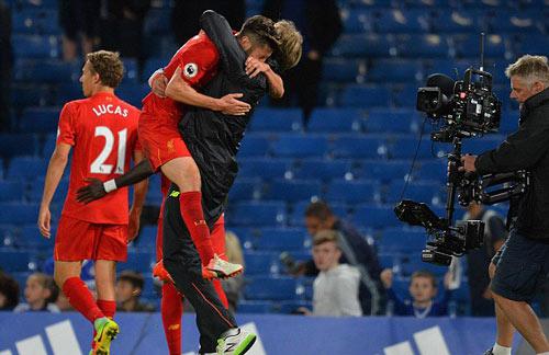 Klopp nâng tầm Liverpool bằng… tình yêu - 1