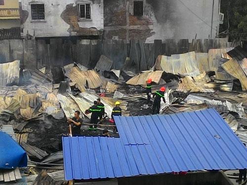 Cháy lán trọ công nhân giữa Thủ đô, dân hoảng loạn tháo chạy - 10