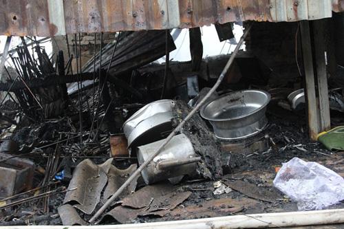 Vụ cháy 130 ki-ốt: Hàng trăm tỷ đồng thiêu rụi trong 1 đêm - 2