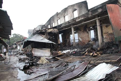 Vụ cháy 130 ki-ốt: Hàng trăm tỷ đồng thiêu rụi trong 1 đêm - 3