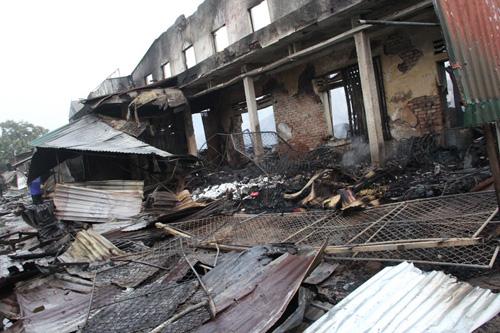 Vụ cháy 130 ki-ốt: Hàng trăm tỷ đồng thiêu rụi trong 1 đêm - 4