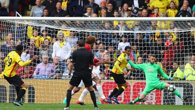 Chi tiết Watford - MU: Nhấn chìm bằng quả penalty (KT) - 8