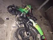 Tin tức trong ngày - Hà Nội:  3 nam thanh niên tử vong bên cạnh chiếc xe máy