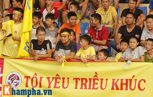 """Nô nức đi xem giải """"phủi"""" khiến V-League phát thèm - 4"""