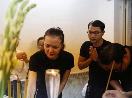 Sao Việt nấc nghẹn đến viếng ca sĩ Minh Thuận trong đêm - 1