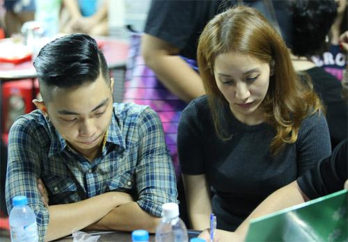 Sao Việt nấc nghẹn đến viếng ca sĩ Minh Thuận trong đêm - 3