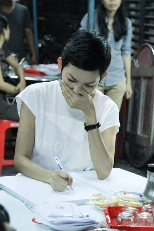 Sao Việt nấc nghẹn đến viếng ca sĩ Minh Thuận trong đêm - 5