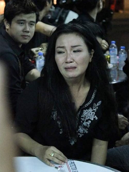 Sao Việt nấc nghẹn đến viếng ca sĩ Minh Thuận trong đêm - 6