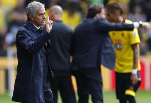 """MU: Mourinho còn """"thua cả một con lừa"""" - 1"""