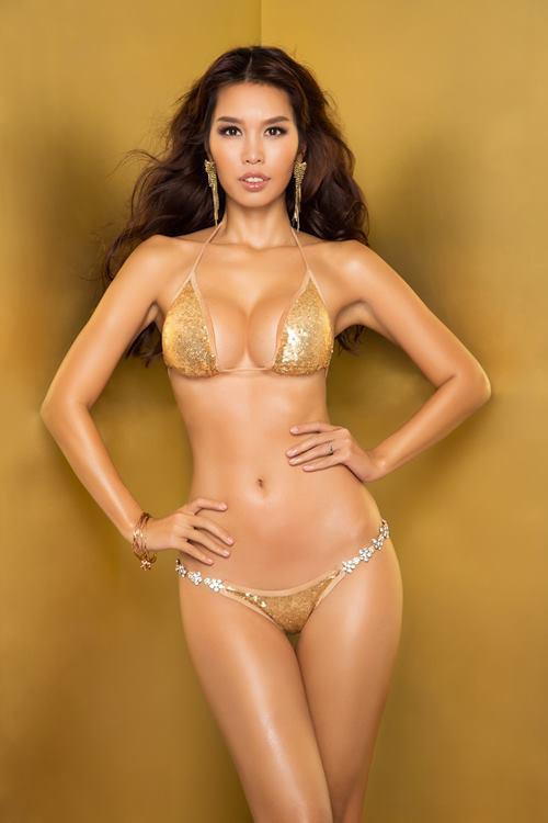 """Siêu mẫu Hà Anh """"đốt mắt"""" với bikini lấp lánh - 2"""