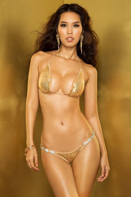"""Siêu mẫu Hà Anh """"đốt mắt"""" với bikini lấp lánh - 4"""