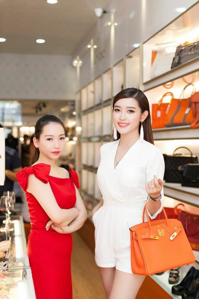 Thú vui mua sắm hàng hiệu chất ngất của Á hậu Huyền My - 17