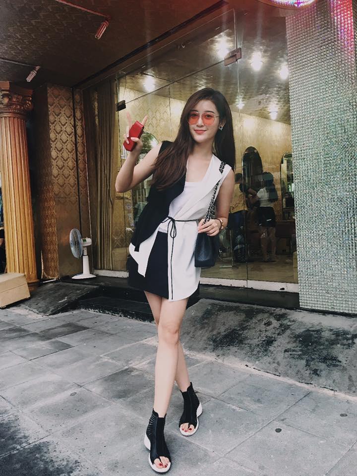 Thú vui mua sắm hàng hiệu chất ngất của Á hậu Huyền My - 26