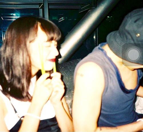 """Bất ngờ lộ ảnh """"bạn gái"""" xinh như thiên thần của G-Dragon - 4"""