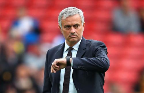 Thua 16/34 trận gần nhất: Sự nghiệp Mourinho lâm nguy - 1