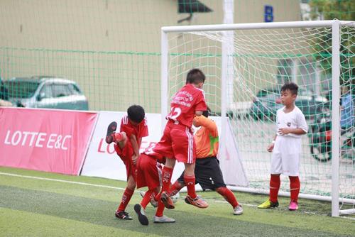 Lotte - Cầu thủ nhí: Hào hứng trận đấu thứ 2 của 10 cậu bé - 5