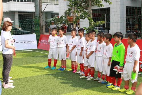 Lotte - Cầu thủ nhí: Hào hứng trận đấu thứ 2 của 10 cậu bé - 3