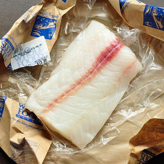 Tuyệt chiêu rút xương cực đơn giản ra khỏi phi lê cá - 1