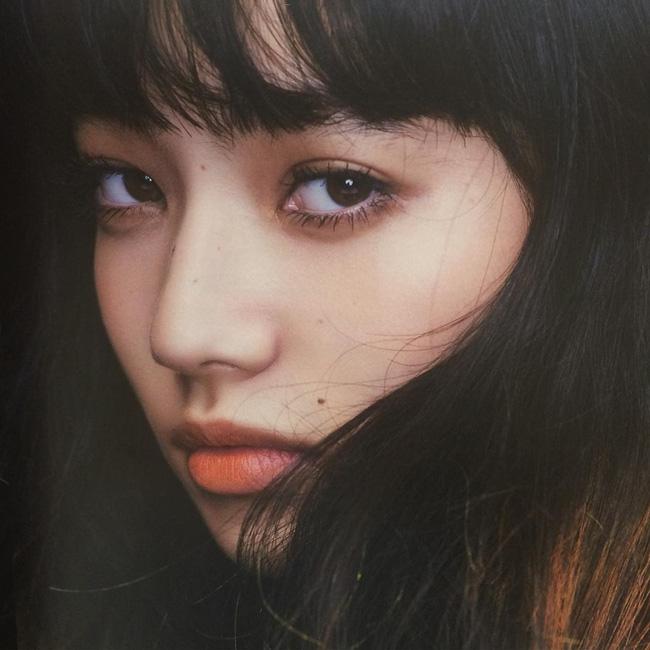 Ngất ngây trước vẻ đẹp trong veo của bạn gái G-Dragon - 11