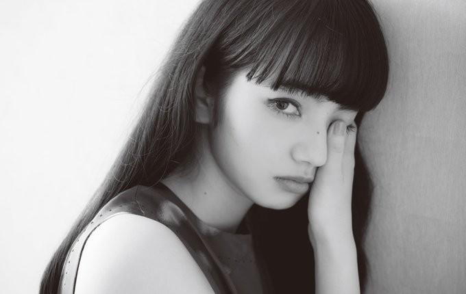 Ngất ngây trước vẻ đẹp trong veo của bạn gái G-Dragon - 15