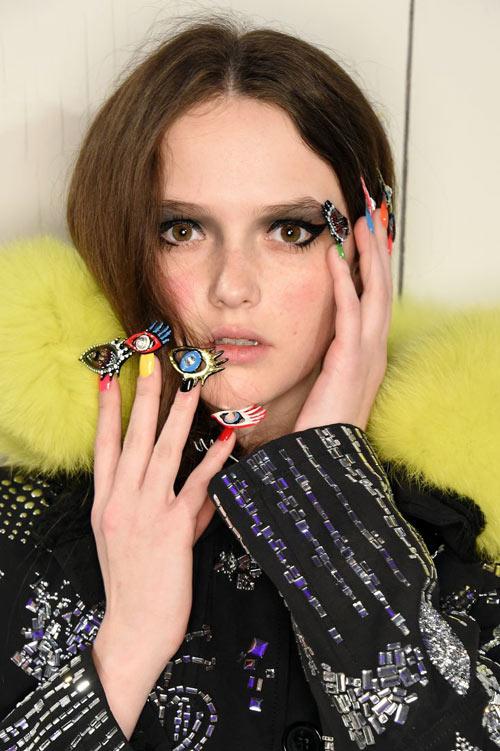 Những mẫu nail siêu độc tại New York Fashion Week - 4
