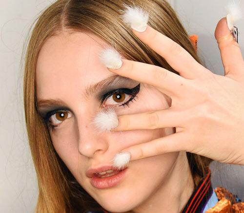 Những mẫu nail siêu độc tại New York Fashion Week - 5