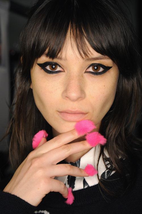 Những mẫu nail siêu độc tại New York Fashion Week - 9